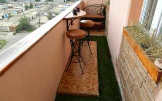 Дизайн квадратной комнаты с балконом