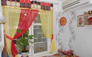 Дизайн кухни столешница под окном