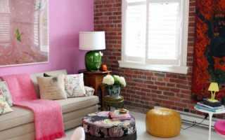 Сочетание цветов с кирпичной стеной