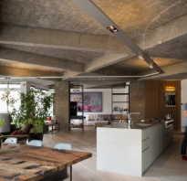 Декор потолка плиткой