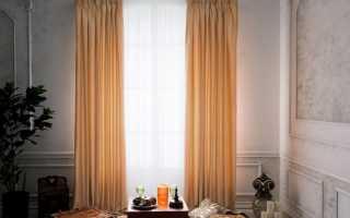Какие шторы подойдут к персиковым обоям
