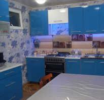 Кухня василькового цвета