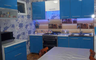 Интерьер кухни в синем цвете фото