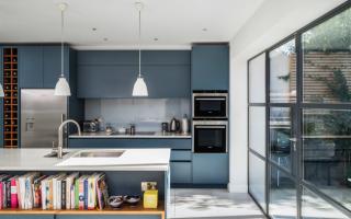 Кухня пенал дизайн фото