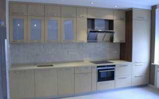 Дизайн кухни с пеналом фото
