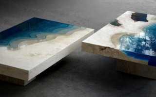 Стол из жидкого стекла и дерева
