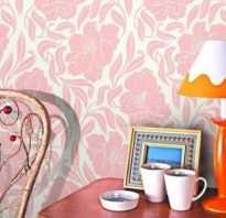 Какие шторы подходят к розовым обоям