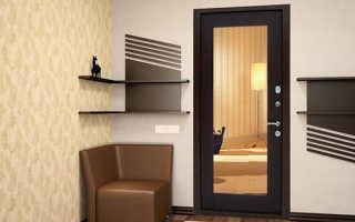 Интерьер входной двери в квартире