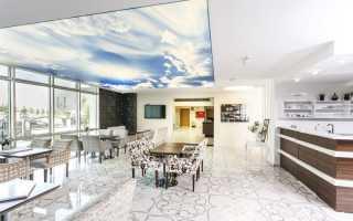 Дизайн натяжных потолков в комнату